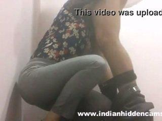 インディアン ベイブ フェラチオ で restaurant トイレ mms indian-sex