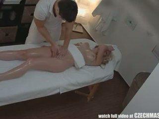 Чешка масаж анал білявка