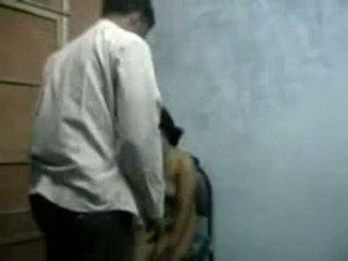 Bangla raand blackmailing henne klient för kön