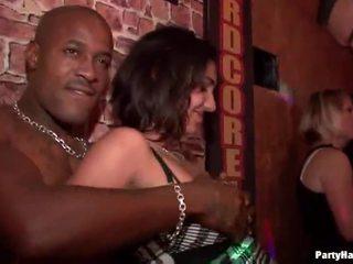 publisks sekss, party girls, klubs