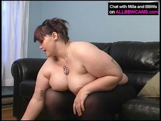 큰 자지, 엉덩이를 핥아, 포르노 소녀와 침대에있는 남자
