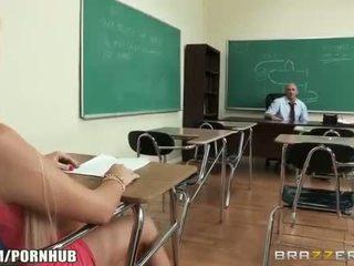 Cachonda big-tit estudiante alexis ford dreams de follando su profesora