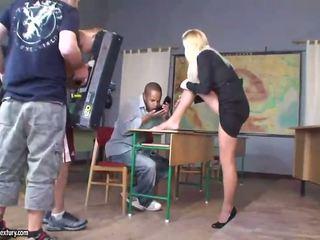 hardcore sex, euro porno, kovaa seksiä kuumalla tyttö