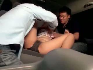 Innocent uczennica gangbanged w a samochód