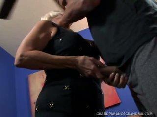 Великий boobie бабця vikki vaughn likes coarse великий пеніс секс