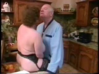 Oud man neuken groot mees vrouw vervolgens younger meisje