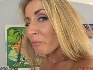 Sæd eating blond abby krysse knullet i throat