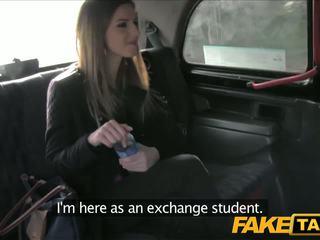 Faketaxi 令人驚嘆 褐髮女郎 品牌 taxi sextape