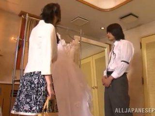 Yui tatsumi the erotisks līgava gives a thang loceklis zīst līdz viņai fiance