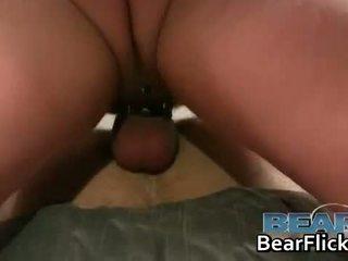 Homo bears en harig asses met dale