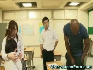 Czarne fucks uczennica w wtf japonia porno!