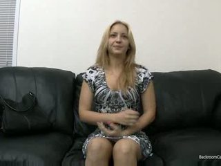 Aktorët me painful anale deepthroating dhe swallowing spermë video