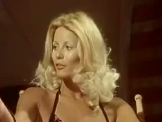 Gran facial escena con preciosa estrella porno seka