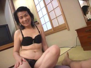 Dojrzała azjatyckie kurwa loves ssanie włochate chuj