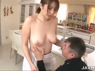 Gjoksmadhe japoneze does boobjob
