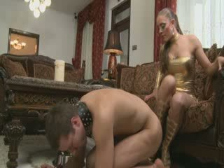 Trained sklave pet