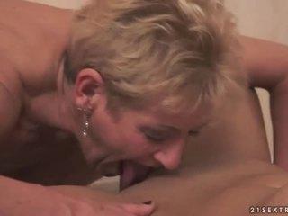 Starý a mladý lesbičky