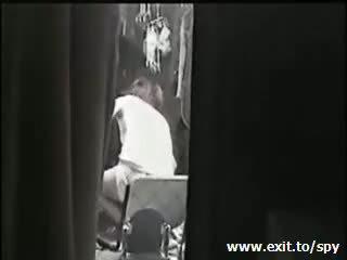 see voyeur clip, see spy, pussy scene
