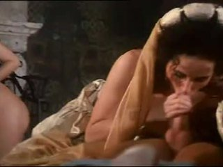 Real orgía con pechugona hottie sarah joven