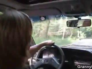 कार driver bangs ग्रॉनी होर