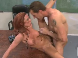 Porno babe jadra holly enjoys den steamy hot jizzload dette babe acquires etter knulling hardt