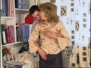 Сладъл мама при чорапогащи & gut