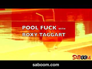 Roxy taggart gets fucked na the poolside na saboom