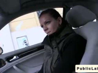 Tanuló gives leszopás -ban fake taxi -ban nyilvános