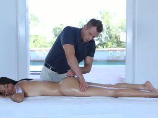 Príťažlivé erotický masáž pre jeden veľmi chutné 18yo násťročné