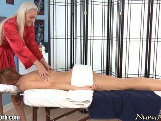 Erotický electric lesbička masáž