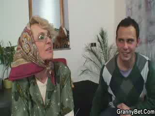Granny gets a hard dong