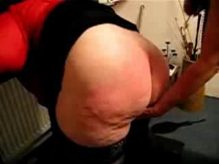 fat mature granny gets her butt spanked hard Video