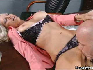 Emma Starr Let A Astounding BalD Man Lick This Chabr Crotch