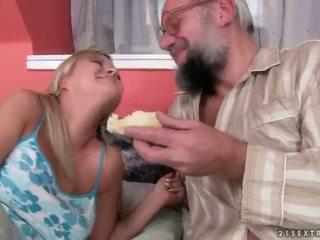 Miang/gatal grandpas vs panas remaja