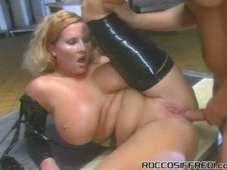 Une bit de domination porno autour franceska jaimes