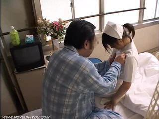 Notte dovere infermiera sesso voyeur