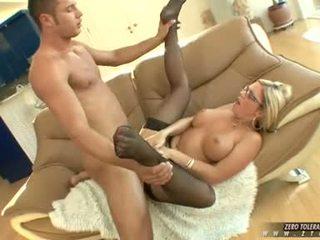 Bitchy গরম ahryan astyn gets একটি ধনী spurt এর বাড়া cream উপর তার মুখ
