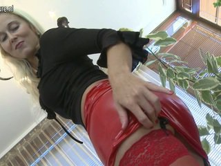 Smut Mom Id Like To Fuck Presents Off Awesome Shape Shape And Has Sex Toy Funtime