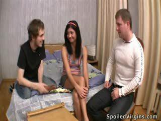 Innocent virgin hammered en trío.