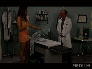 mooi brunette scène, ideaal kaukasisch, anaal masturbatie
