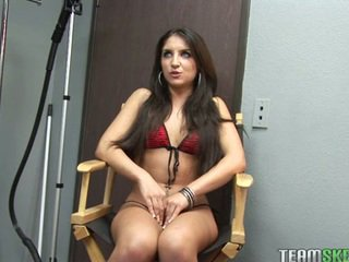 ideal brunette scene, young, quality blowjobs