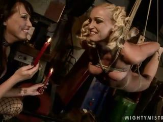 Mandy luminos joc cu ei sclav kathia nobili