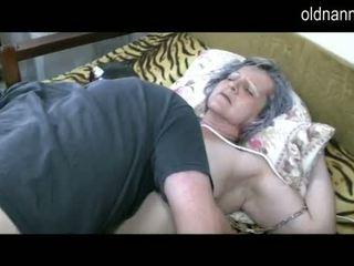 Xưa bà nội được âm hộ licked qua trẻ guy video
