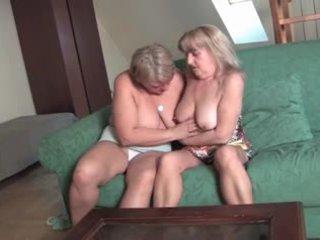 おばあちゃん レズビアン gets 角質 ビデオ