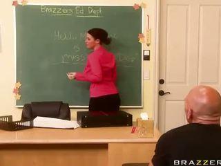 regarder sophie dee, busty teacher plein
