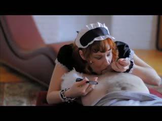 Camille crimson - рудоволоса gives a французька покоївка мінет