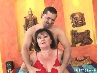 巨乳 奶奶 gets 性交 漂亮 硬