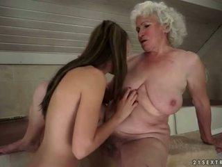 seks lesbijski, starych i młodych, hd porno