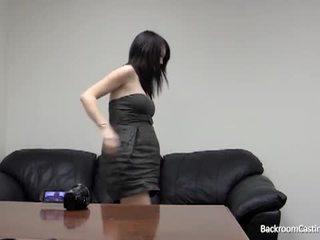 W ciąży dziewczyna tyłek fucked przez fake casting agent