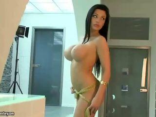 oholil mačička skontrolovať, plný veľké prsia, najlepšie pornohviezdami všetko